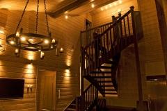 Yläkerrasta löytyy 2 makuuhuonetta